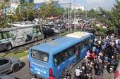 Tông xe liên hoàn trên cầu Sài Gòn, giao thông tê liệt