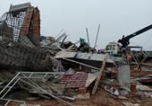 Sập giàn giáo ở Nam Định, 8 người thương vong