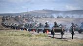 Vạn binh sĩ, xe tăng Nga tập dượt diệt khủng bố nhờ kinh nghiệm ở Syria