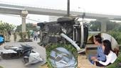 Phụ nữ lái Mercedes điên tông hàng loạt xe máy, nhiều người nhập viện