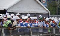 Thủ tướng Nguyễn Xuân Phúc thị sát, yêu cầu vận hành tuyến metro năm 2021