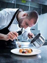 Tận hưởng kỳ nghỉ lễ sang chảnh với đỉnh cao ẩm thực từ đầu bếp hạng sao Michelin