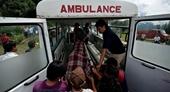 Máy bay đâm trúng trực thăng làm chết 4 người