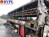 Xe khách Hà Tĩnh cháy trơ khung tại Quảng Bình