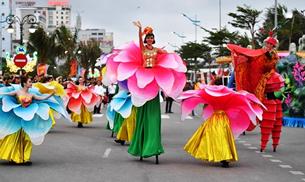 Người dân Thanh Hóa háo hức với Carnival đường phố lần đầu tiên