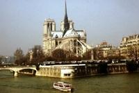 Nhà thờ Đức Bà Paris 8 thế kỷ thăng trầm trước khi bị lửa dữ nuốt chửng