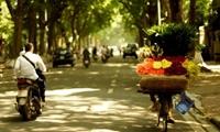 Hà Nội hửng nắng giữa ngày, Sài Gòn nóng 37 độ C