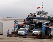 Phát hiện gian lận bán vé ra đảo Cát Bà, Cảnh sát triệu tập 10 nhân viên bến phà Gót - Cái Viềng