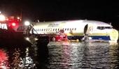 Boeing 737 chở 136 người đâm thẳng xuống sông gần căn cứ quân sự Mỹ