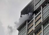 Cháy lớn căn hộ trong chung cư The Vista An Phú, cư dân tháo chạy tán loạn