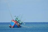 Cứu tàu cá cùng 6 ngư dân bị nạn trên vùng biển Trường Sa