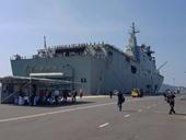 Hai tàu khủng của Hải quân Úc ghé cảng Cam Ranh