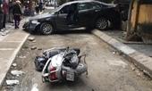 Khoảnh khắc nữ tài xế lùi xe Camry tông chết người đi xe máy