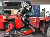 Xe khách Phương Trang tông đuôi xe container, phụ xe khách tử vong