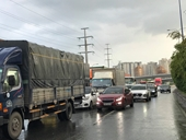 Người đàn ông quốc tịch Mỹ bị container cán chết trên xa lộ Hà Nội