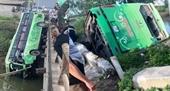 Xe khách lao xuống sông, ít nhất 2 người chết và nhiều người bị thương