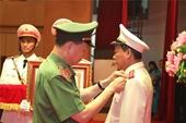 Thượng tướng Lê Quý Vương được tặng thưởng Huân chương Quân công hạng nhất