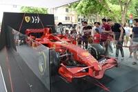 Chiêm ngưỡng siêu xe F1 Ferrari ngay tại Hồ Gươm