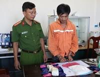 Bắt trùm ma túy mặc áo ngành Điện lực vận chuyển hàng