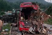 Hiện trường rùng mình vụ tai nạn xe khách giường nằm Điện Biên