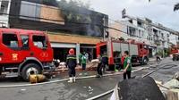 Cháy lớn nhiều công ty và nhà dân, nhiều người thoát chết