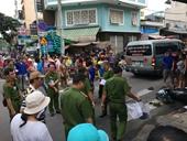 Phẫn nộ tài xế taxi gây tai nạn khiến 2 người thương vong rồi bỏ trốn