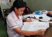 Xúc động thí sinh đặc biệt với đề thi được in trên giấy A3
