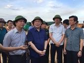 Phó Thủ tướng Vương Đình Huệ tặng quà, động viên lực lượng chữa cháy rừng