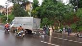 Một cán bộ Công an tử vong vì tông vào xe tải đang dừng sửa chữa