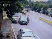 Truy tìm hai người đàn ông ngoại quốc đi ôtô cướp tài sản của tài xế xe tải