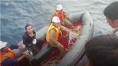 7 thuyền viên trên tàu cá bị đâm chìm được cứu trở về đất liền