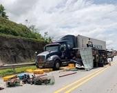 3 xe ô tô đâm nhau trên cao tốc Nội Bài - Lào Cai