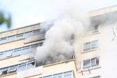 NÓNG Đang cháy chung cư Nam Trung Yên ở Cầu Giấy - Hà Nội