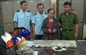 Bắt quả tang bà trùm ma túy cộm cán nguyên là giáo viên Sử học