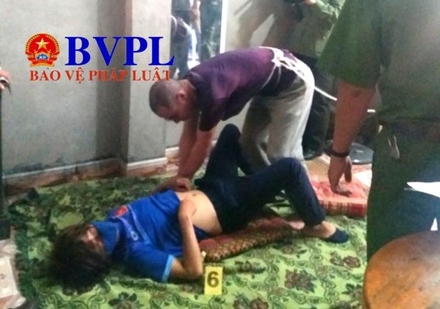 Phạm Văn Nhiệm diễn lại hành vi h.iếp d.âm nữ sinh Mỹ Duyên tối mùng 2 Tết.