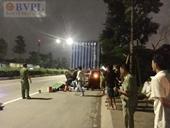 Phóng nhanh lao vào container đậu bên đường, người đàn ông chết thảm