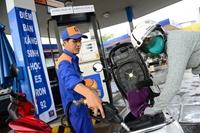 Xăng, dầu tiếp tục tăng giá mạnh từ 17h chiều nay