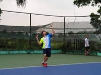 Các VĐV quần vợt bước vào thi đấu