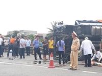 Bàng hoàng hiện trường vụ tai nạn thảm khốc xe tải đè chết 5 người ở Hải Dương