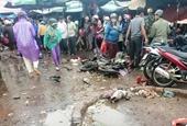 CLIP Rùng mình xem cảnh xe khách lao vào chợ, cán chết 4 người ở Gia Lai