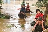 Hàng trăm hộ dân bị ngập trong biển nước ở Đắk Lắk