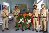 Bắt quả tang 2 tên cướp mặc trang phục cảnh sát