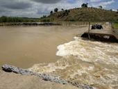 Vỡ đê khiến hơn 1 000 ha lúa bị ngập nặng ở Đắk Lắk
