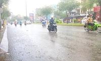 Bắc Bộ mưa dông diện rộng, Trung Bộ vẫn nắng nóng gay gắt