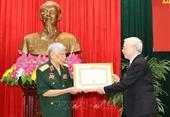 Tổng Bí thư, Chủ tịch nước trao phần thưởng cao quý tặng đồng chí Lê Khả Phiêu