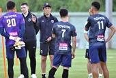 HLV Akira Nishino trảm trợ lý trước thềm đại chiến với đội tuyển Việt Nam
