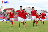 """Bóng đá Hà Tĩnh thăng hạng V-league Xứng đáng niềm kiêu hãnh """"Đội bóng núi Hồng"""""""