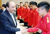 Thủ tướng động viên ĐTQG Việt Nam trước trận gặp ĐT Thái Lan