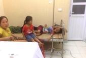 Hơn 40 người nhập viện sau khi ăn cỗ mừng tân gia