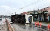 Người dân phá cửa cứu sống 26 người trên xe khách gặp nạn